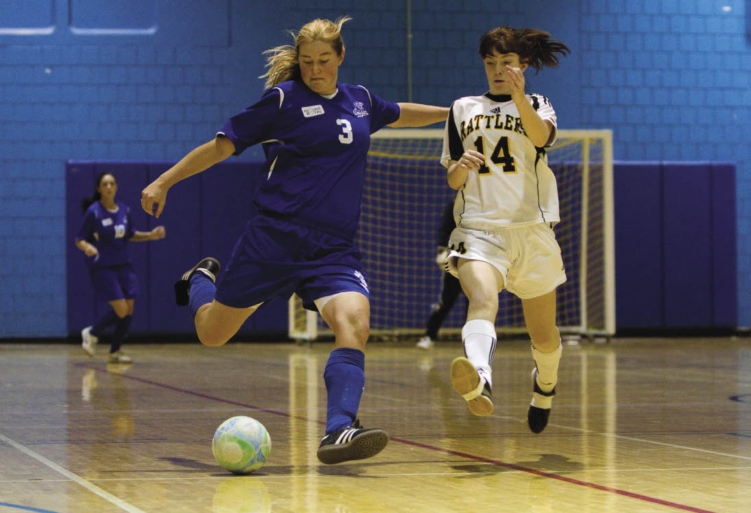 http://thereflector.ca/wp-content/uploads/2011/02/Futsal_Wmn12_opt.jpeg