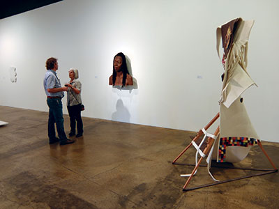 Enjoy sticking sculptures from diverse artists, featured at a local gallery. Go and relish the contemporary pieces, free of charge. Photo: Sasha Semenoff